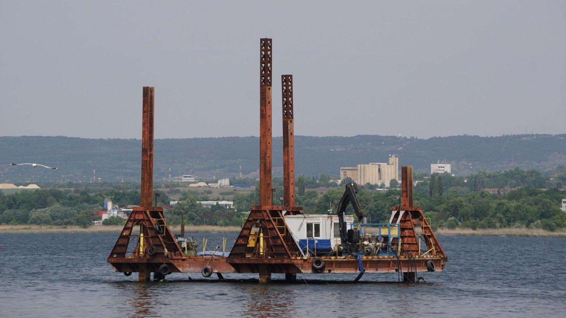 Възстановен е тръбопроводът във Варненското езеро