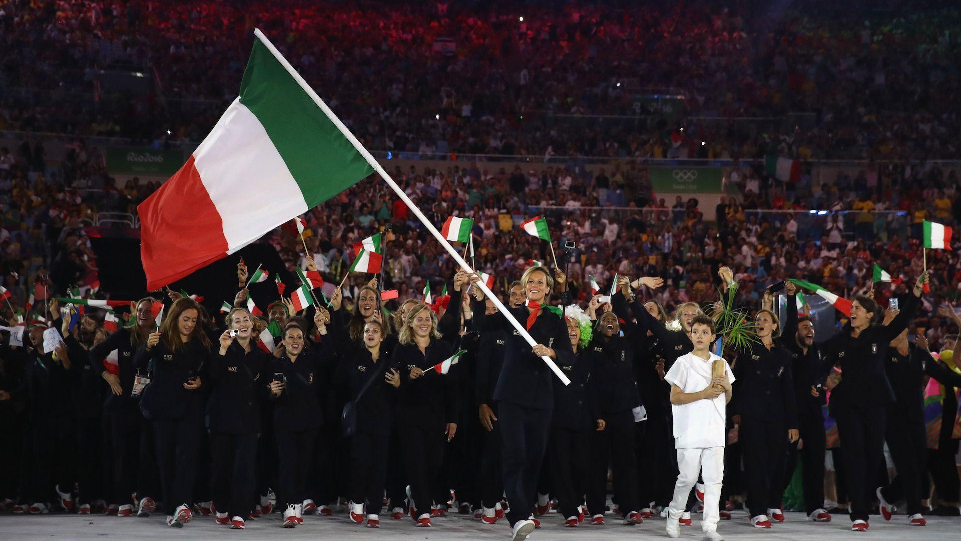 Италия може да се окаже без флаг и химн в Токио заради държавна намеса в спорта