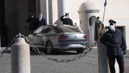 Политическа маневра: Премиерът на Италия Джузепе Конте подаде оставка