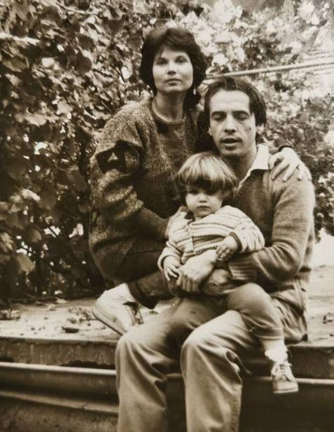 Със съпругата Ана и дъщерята Елена