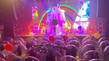 Рокгрупата Flaming Lips изнася концерти в защитни балони