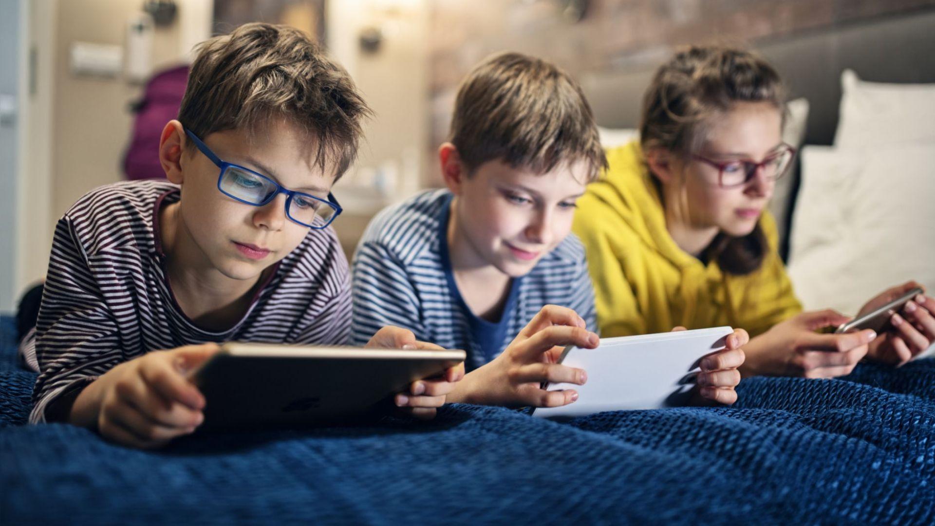 Децата, използващи дълго време електронни устройства, имат проблеми с вниманието