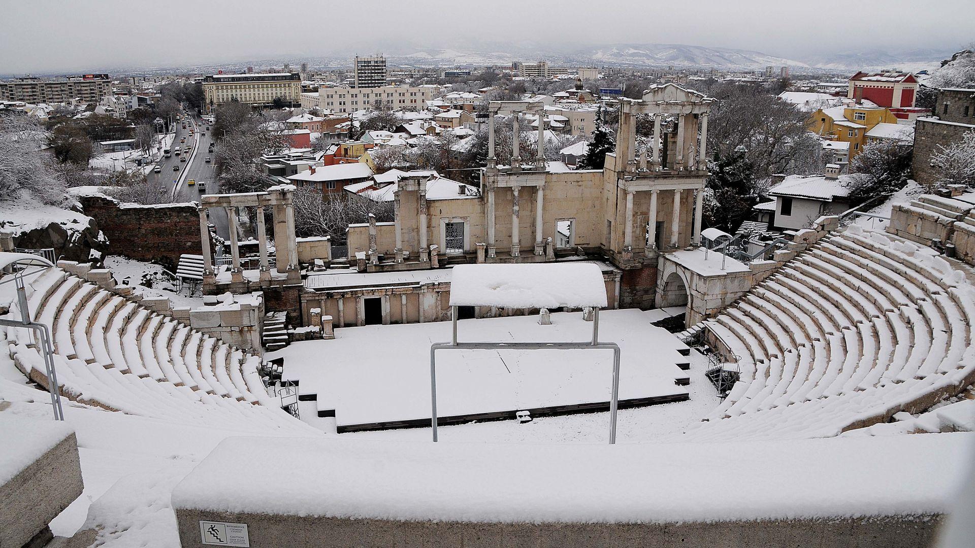 Снегопочистването в Пловдив продължава с пълна сила