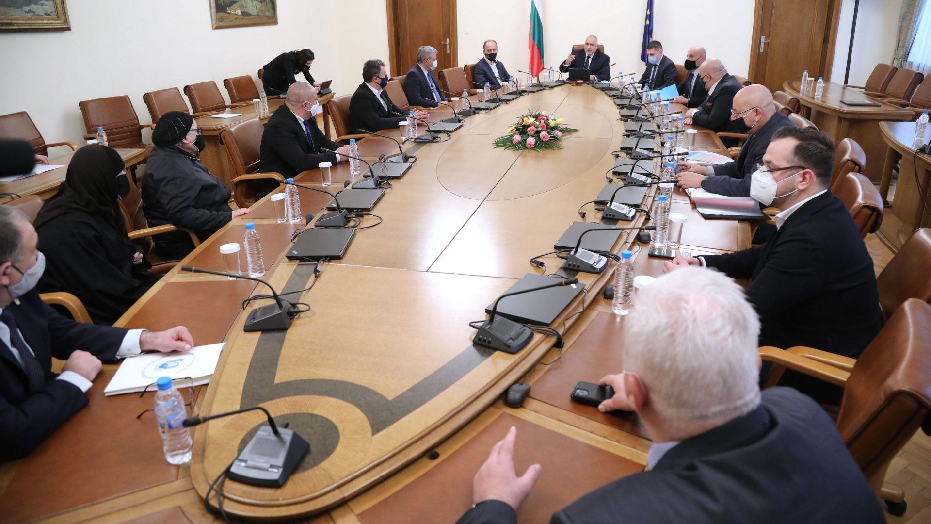 Борисов: Разбираме ресторантьорите и помагаме на всички с близо 3 млрд. лв
