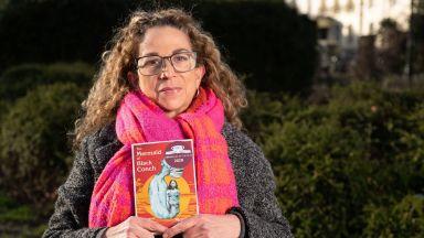"""Романът """"Русалката от черната раковина"""" спечели наградата """"Коста"""" за книга на годината"""