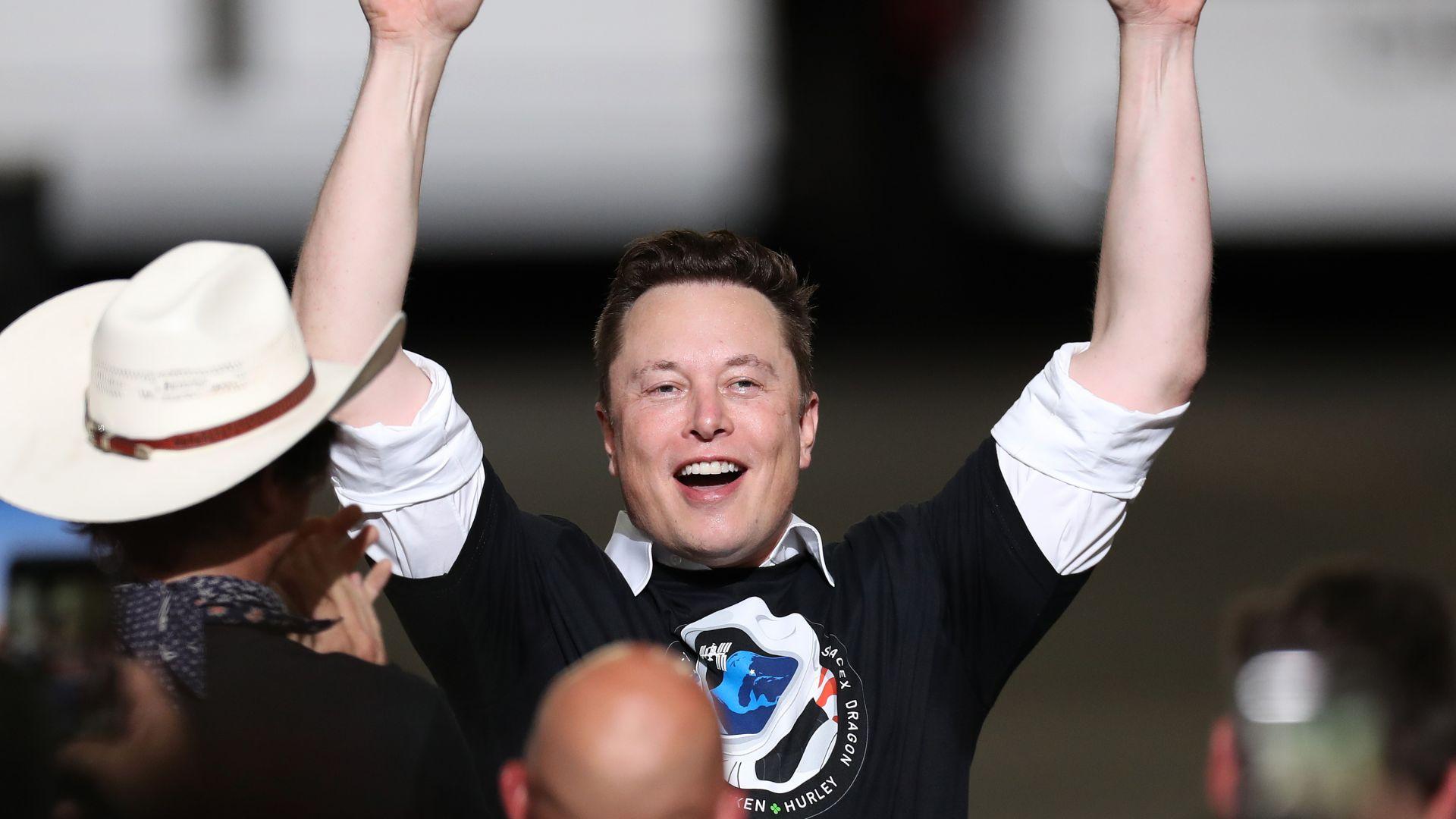 Мъск: Вече можете да купите Тесла с биткойн