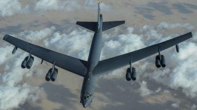 US бомбардировач Б-52 прелетя над Близкия изток на фона на напрежение с Иран