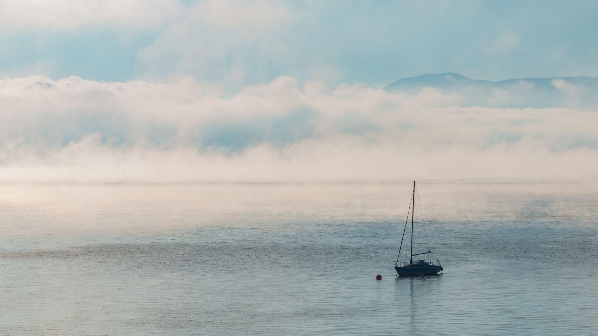 С лодка по язовир Искър