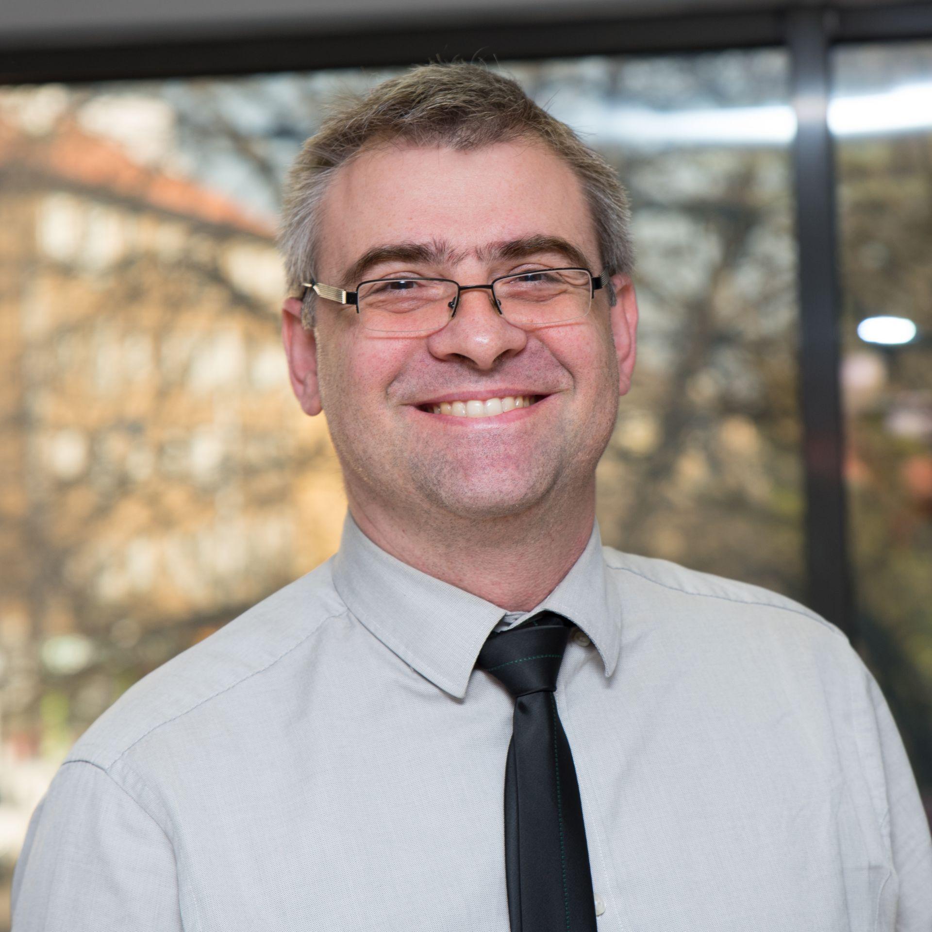 Николай Николов - професионалист в областта на човешките ресурси и консултирането