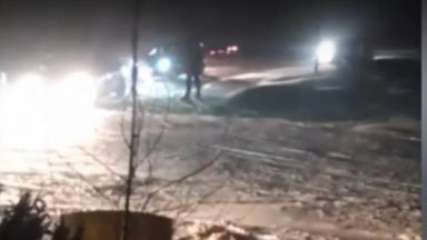 Пловдивски дрифтъри задръстиха пътя към хижа Здравец (видео)