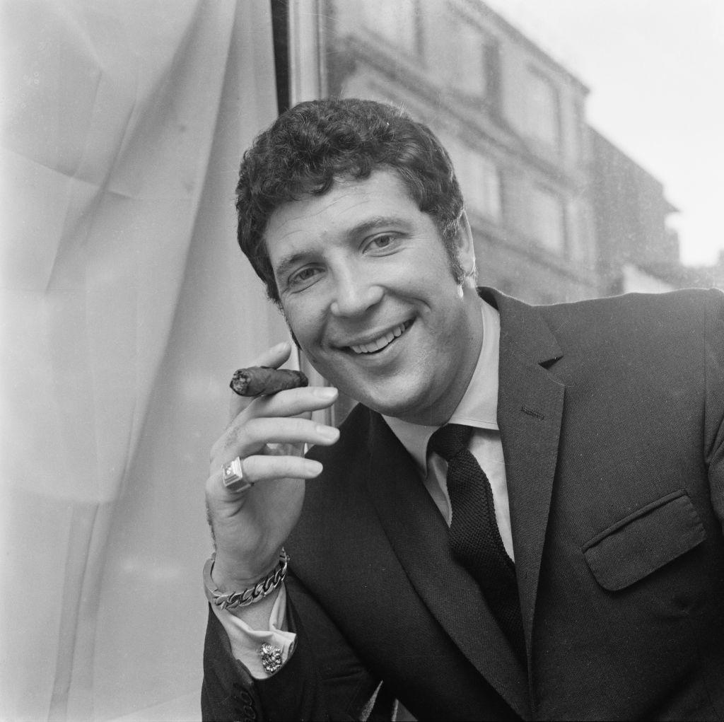 Том Джоунс през 1969 г.