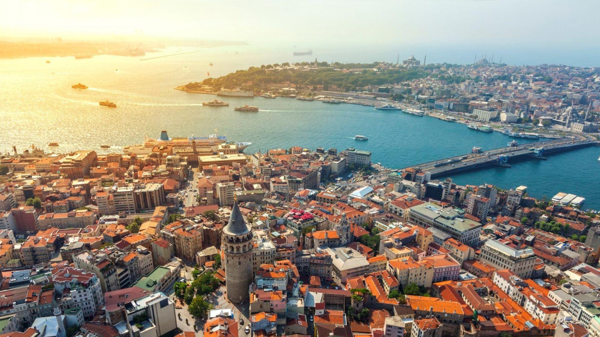 Нов трамвай в Истанбул, на който непременно да се качите