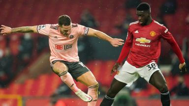 """Юнайтед изригна, след като """"безмозъчни идиоти"""" обвиниха тъмнокожи играчи за загуба"""