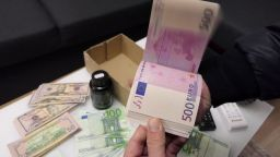 В Пловдив разбиха крупна схема за пране на 40 млн. евро с фишинг измами