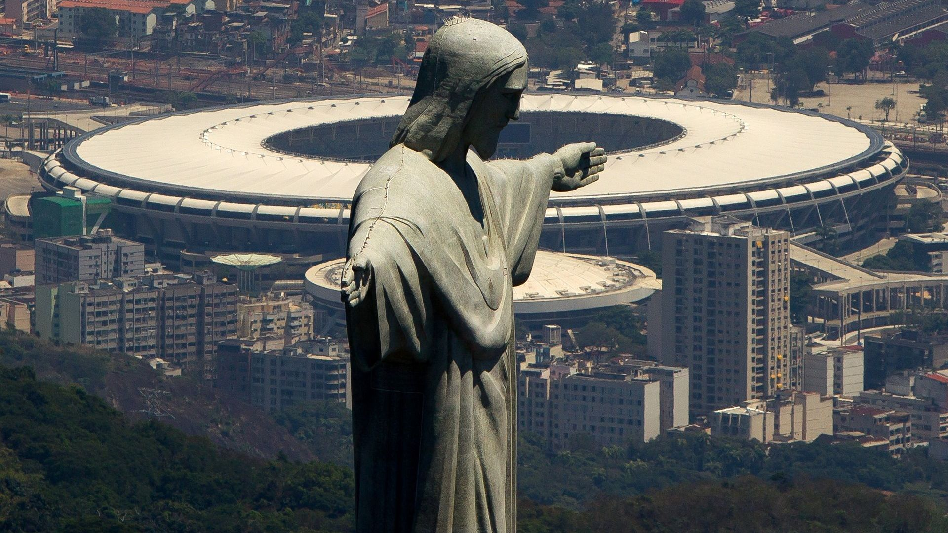 """Храмът на футбола """"Маракана"""" ще носи името на легендата Пеле"""