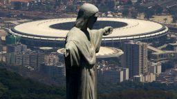 """Футболът празнува юбилея на своя храм """"Маракана"""""""