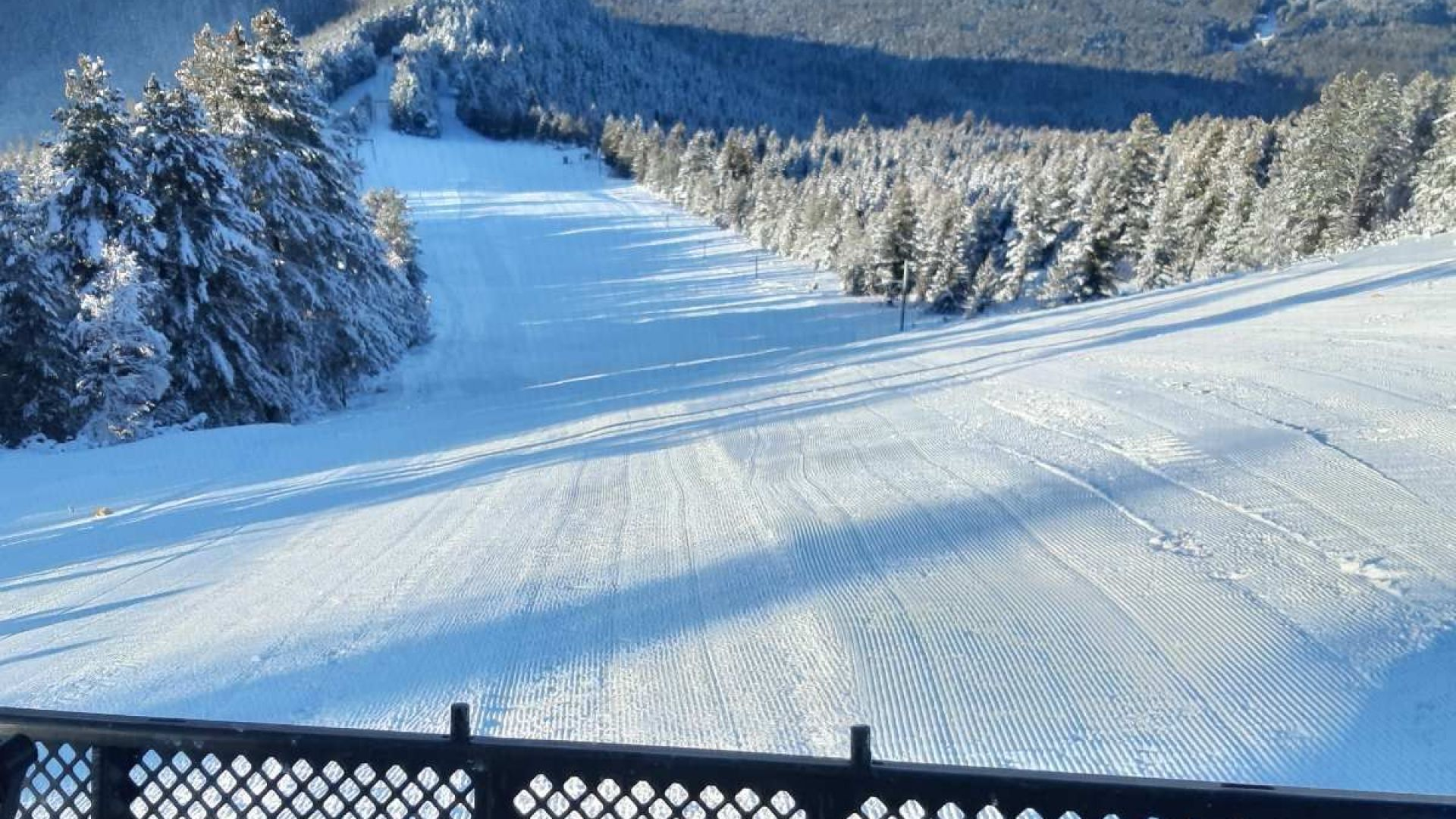 Страхотен сняг на Мальовица! Комплексът пусна всички ски писти
