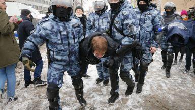 Хиляди арестувани при протестите за Навални, новият държавен секретар на САЩ с остра позиция