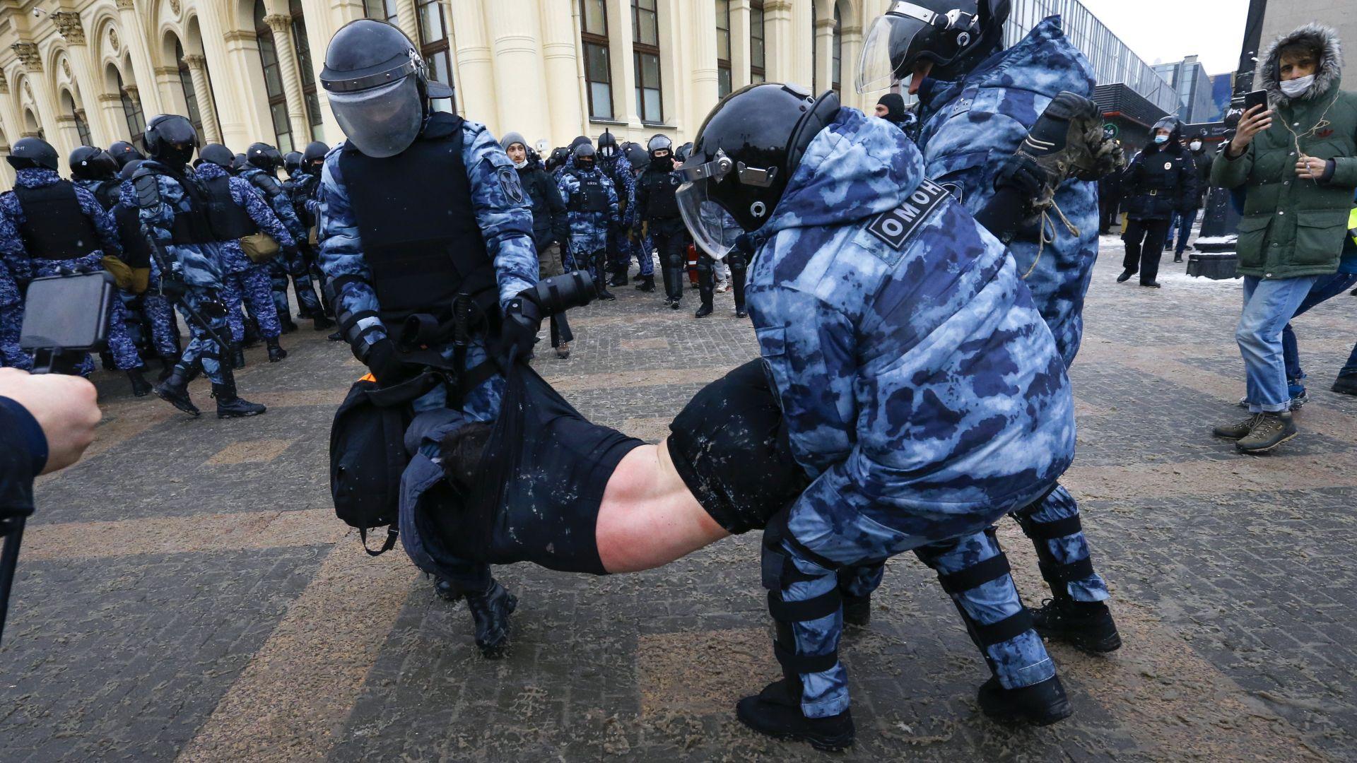 Привържениците на Навални с нова тактика - ще се събират в дворове