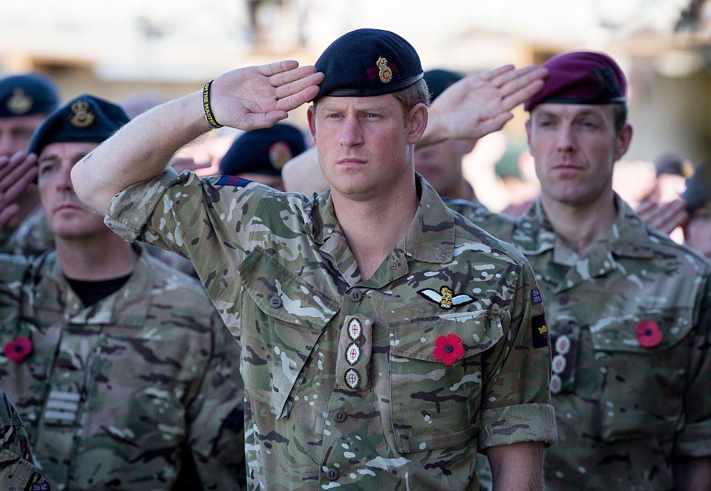 Принц Хари по време на военната си служба в Афганистан през 2014 г.