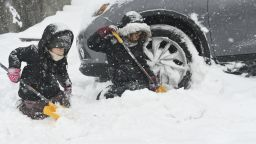 Мощна снежна буря удари североизточните щати, 50 см натрупа в Ню Йорк