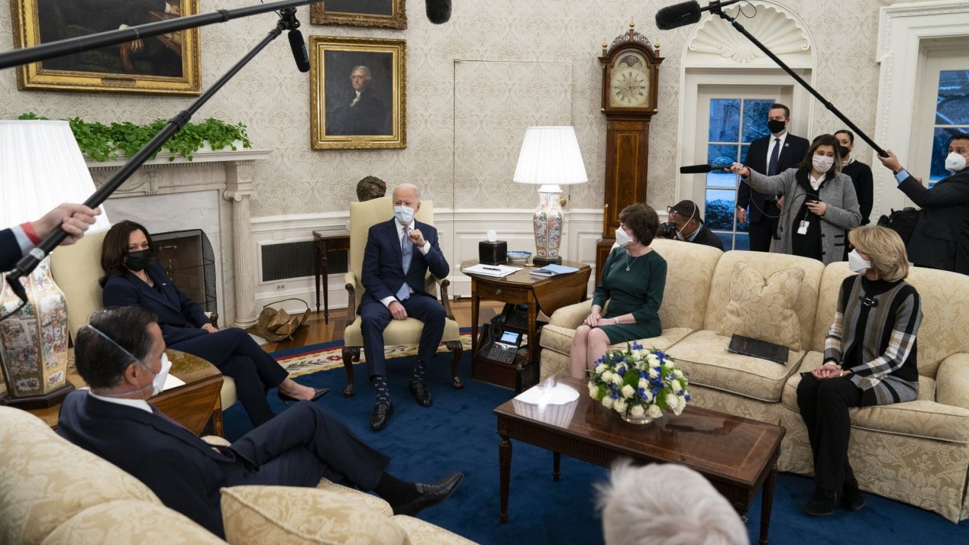 Демократите налагат спасителния план на Байдън въпреки републиканците