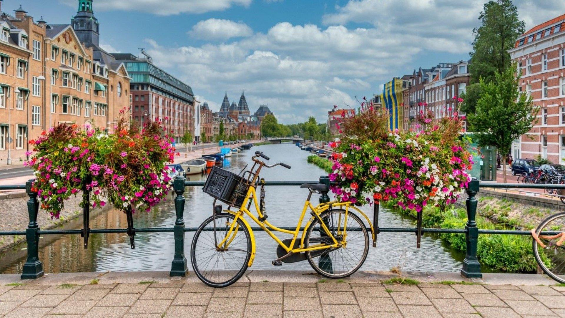 """Airbnb спечели """"битката"""" с Амстердам"""