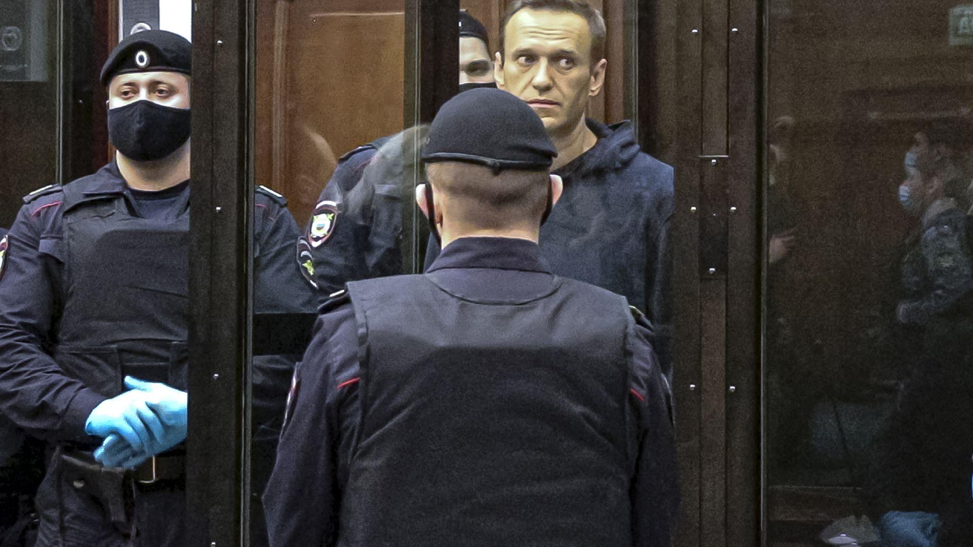 """Сътрудник на Навални призова ЕС """"да преследва парите на Путин"""""""