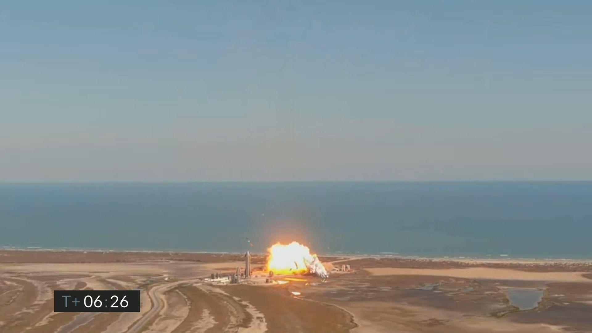 Starship SN9 се разби с експлозия при кацането си