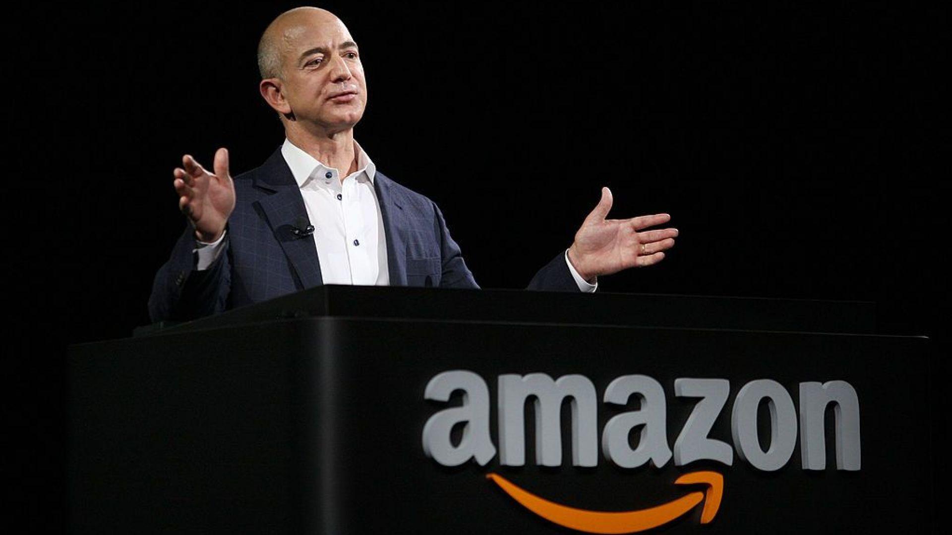 Джеф Безос напуска поста главен изпълнителен директор на Amazon