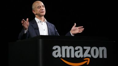 Джеф Безос продаде акции на Amazon за 6,7 милиарда долара