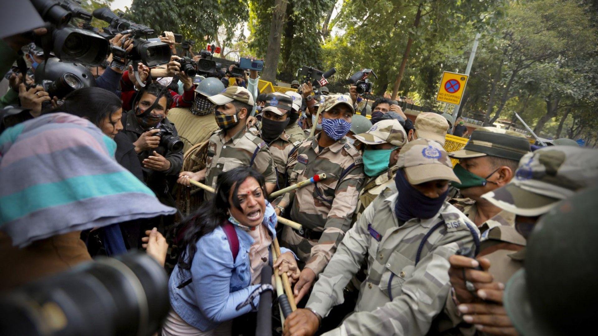 Сблъсъци край Делхи: Фермерските протести не спират повече от два месеца