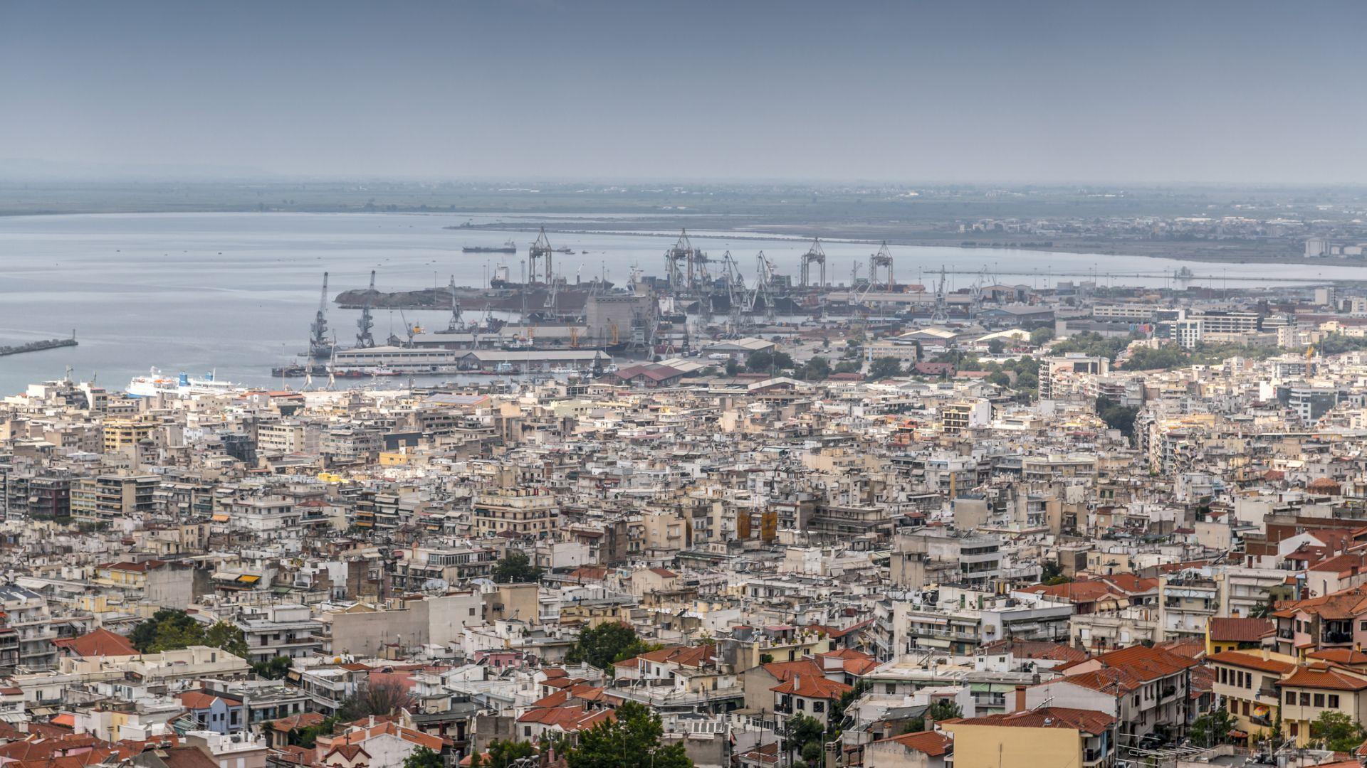 Близък на Путин руски олигарх купи пристанището в Солун
