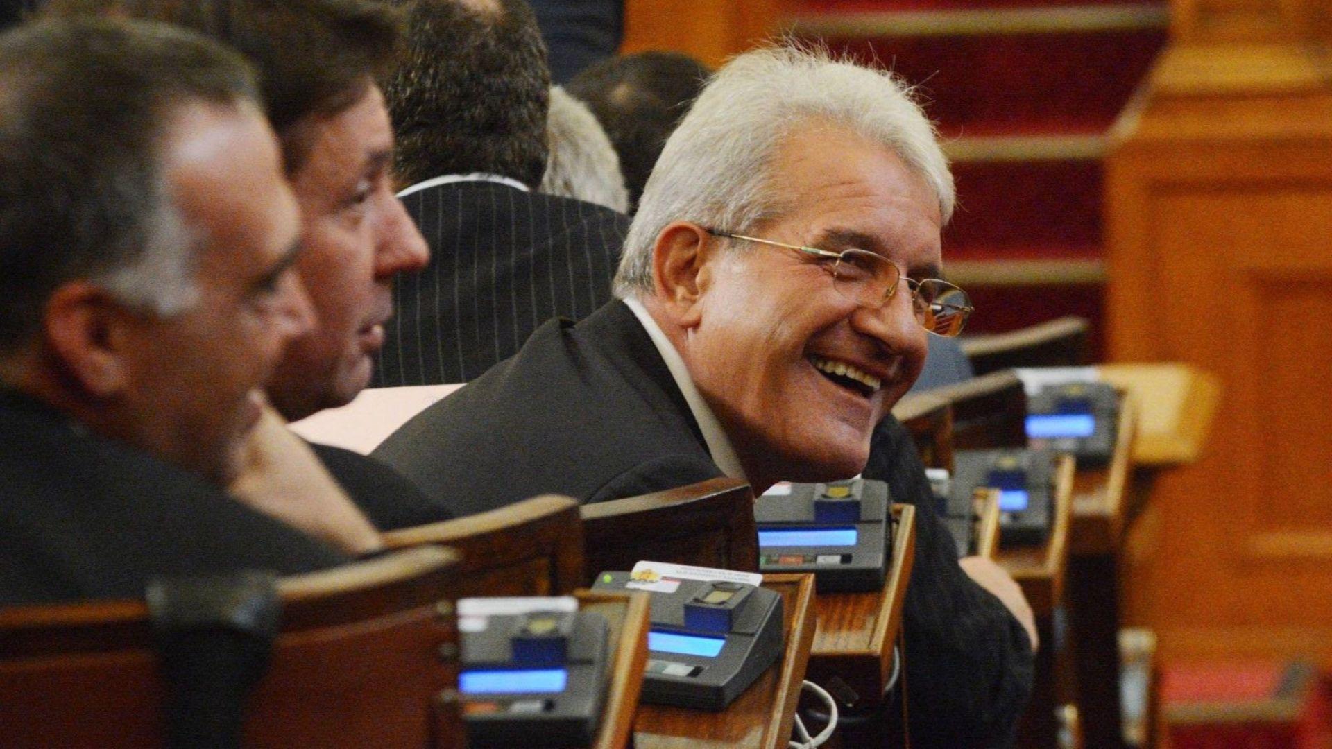 Изгониха Рамадан Аталай за едно пленарно заседание