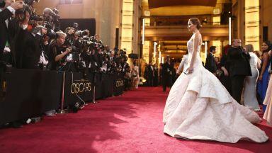 Блясък и стил: Най-скъпите рокли, носени от най-популярните дами в шоубизнеса