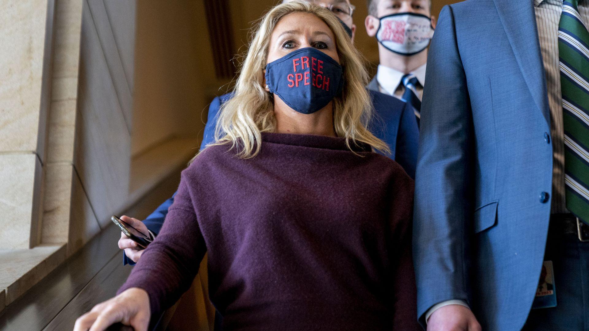 Камарата на САЩ с безпрецедентно наказание на поддръжничка на Тръмп