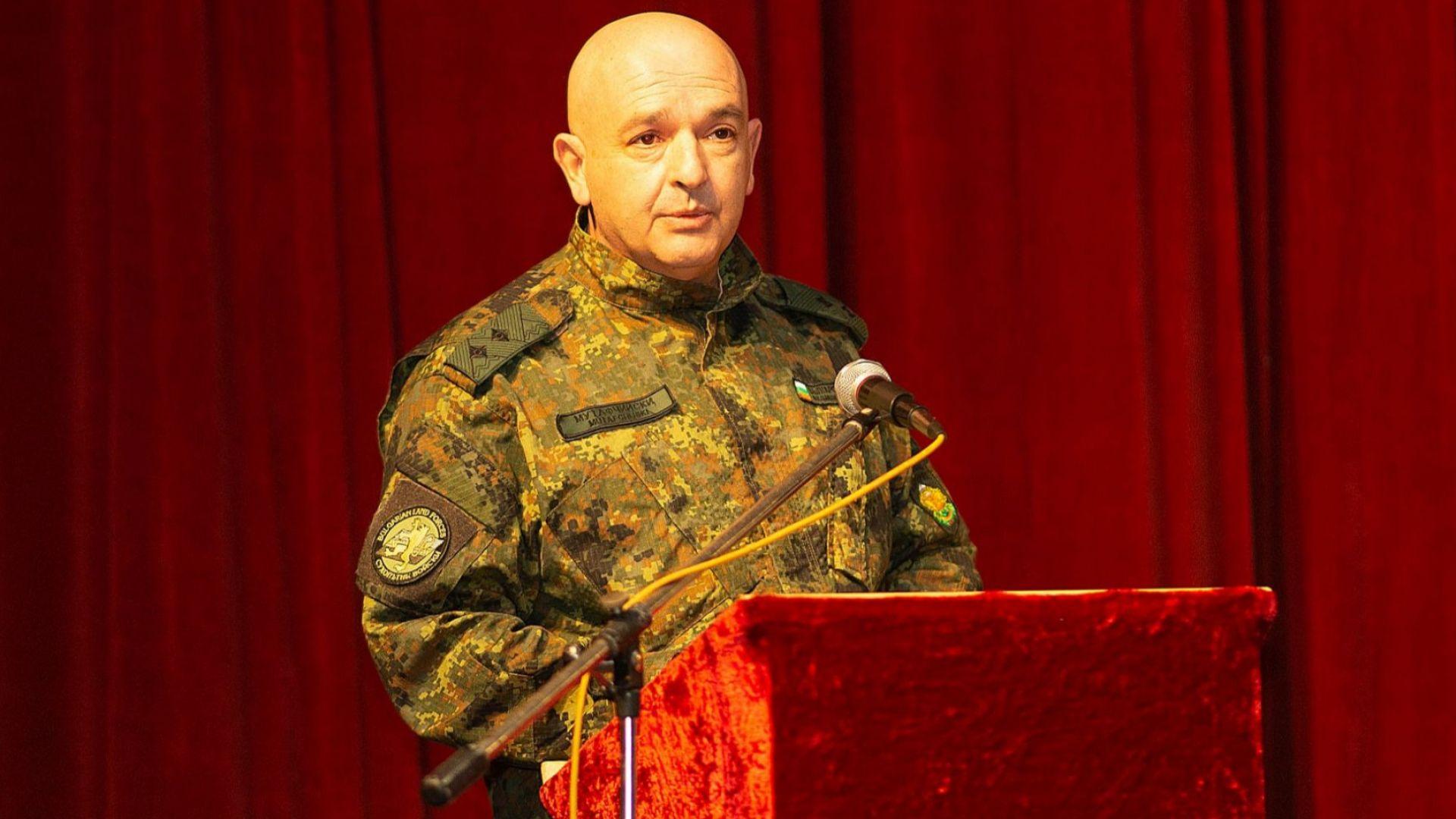 Ген. Мутафчийски подготвя армията за ваксинацията срещу Covid-19 (снимки)