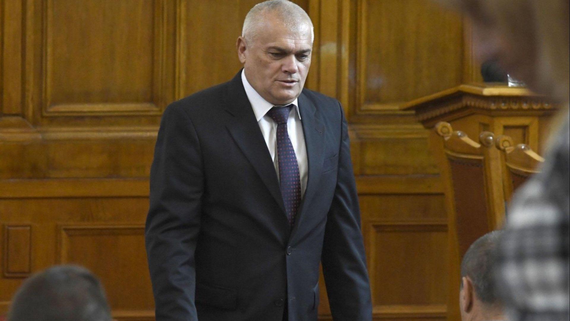 Валентин Радев: Служебният министър Пламен Узунов и сега има политически чадър