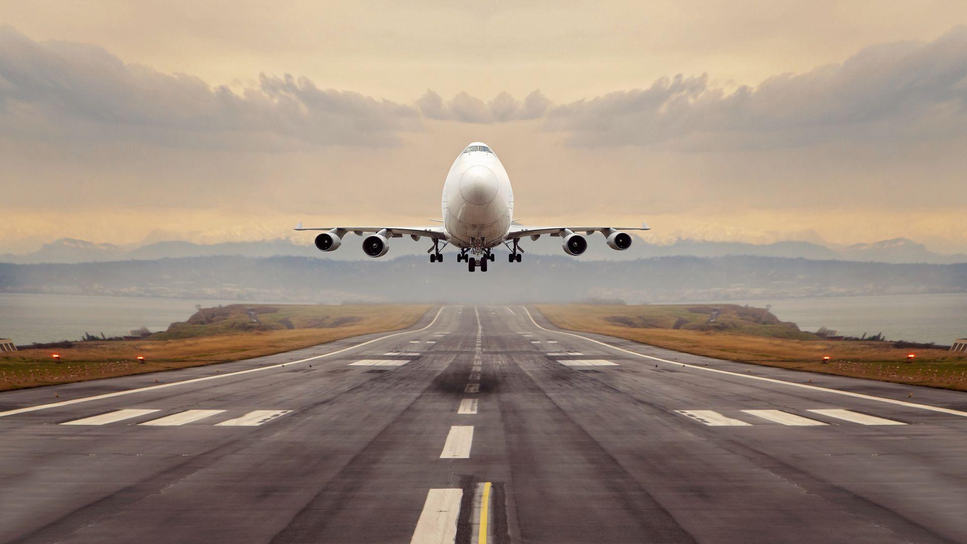 Оборудват  пътнически самолет с техника  за изследване на климата