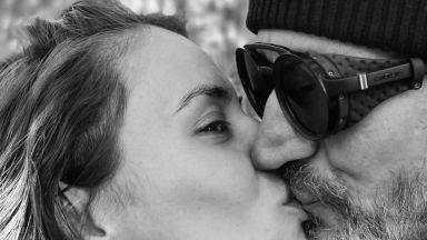 Бременната Радина Кърджилова и половинката ѝ Деян Донков в най-романтичната си фотосесия