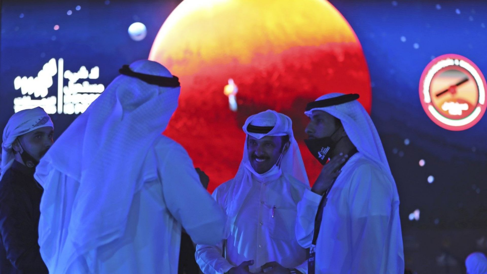 Космическата сонда на ОАЕ достигна Марс: Докъде ще е следващата арабска мисия?
