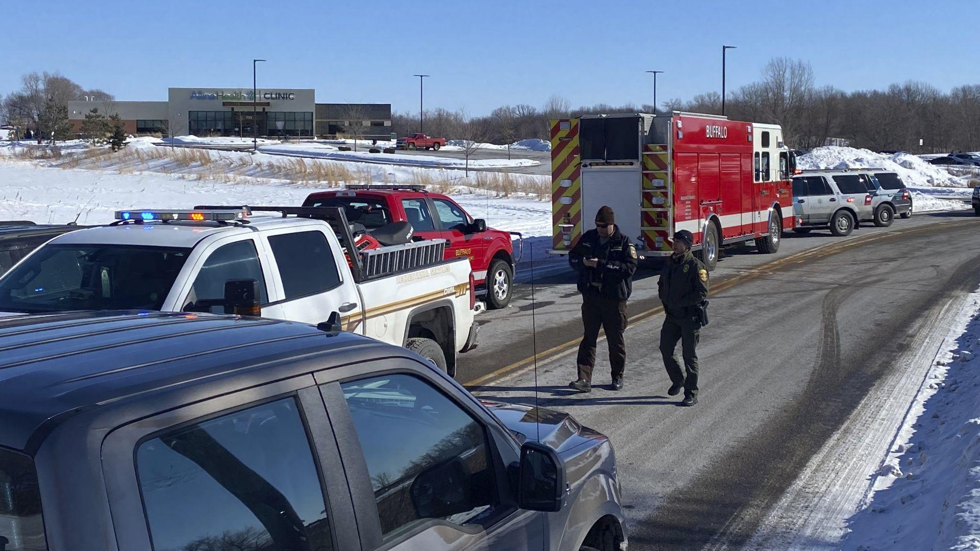 Стрелба и взрив в американска клиника, има няколко ранени (видео)
