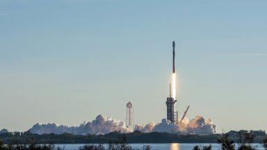 SpaceX планира да изстреля нова групировка микроспътници Starlink