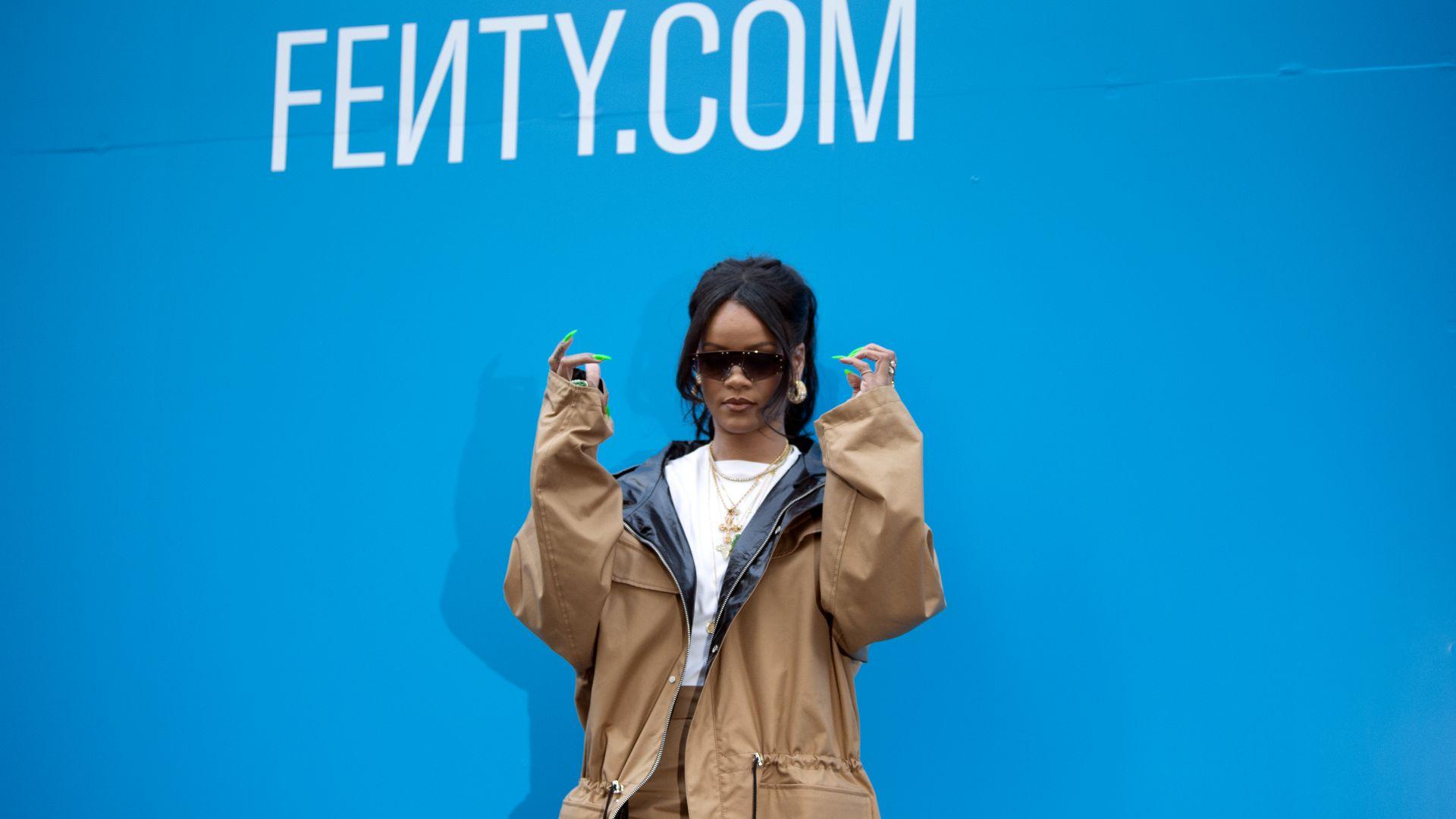 """Риана спира модната марка """"Фенти"""""""