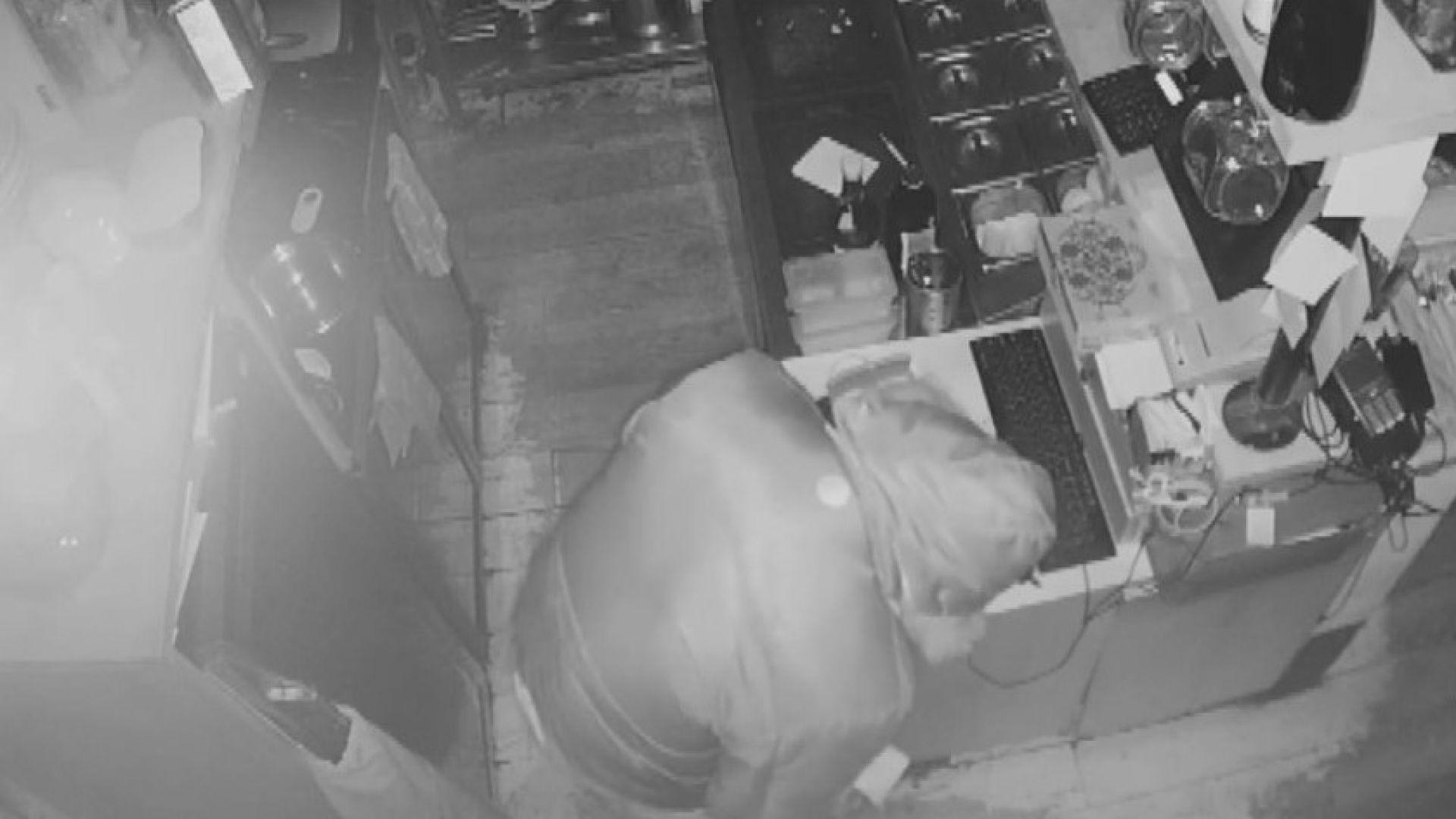 "Собственик на заведение ""арестува"" взломаджия, опитал да го обере"