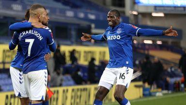 Луд трилър с 9 гола реши битката между Анчелоти и Моуриньо