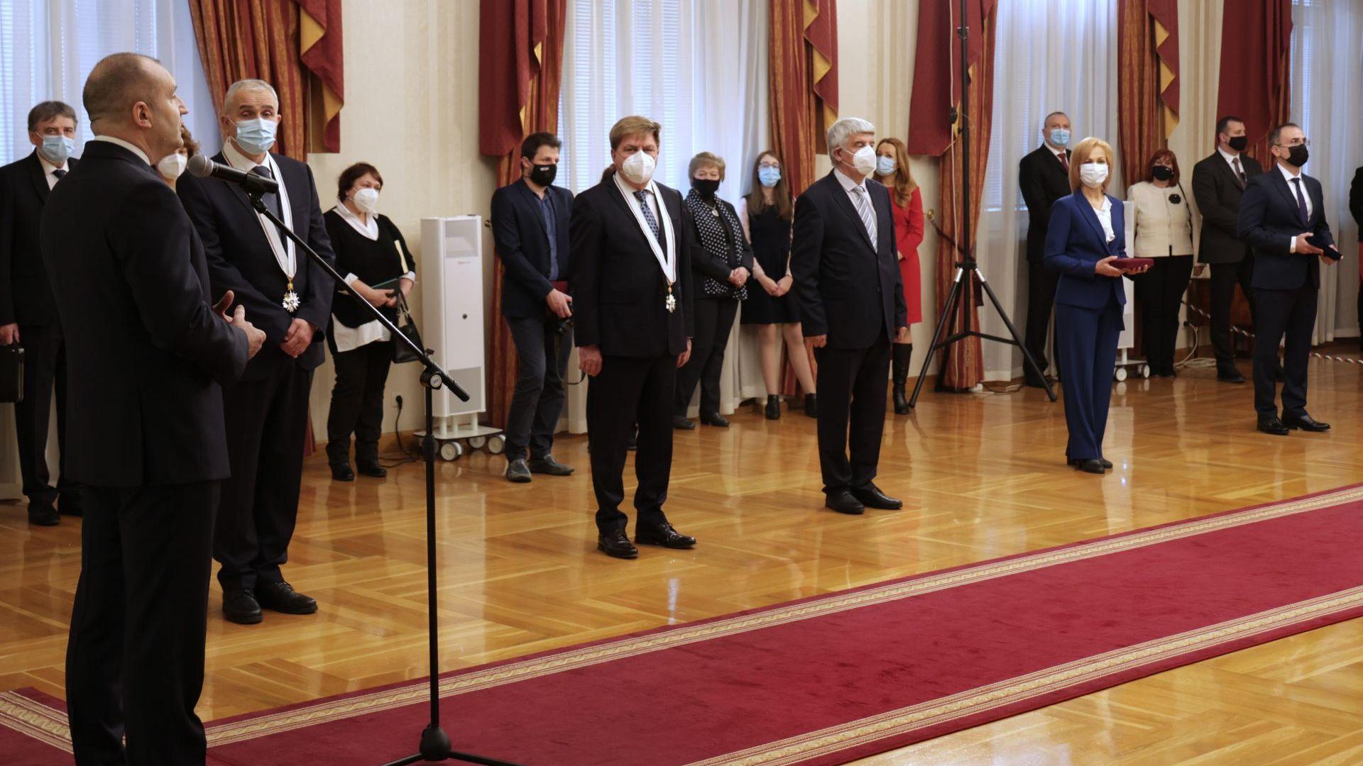 Българистка, трима професори и един доцент с високи държавни отличия