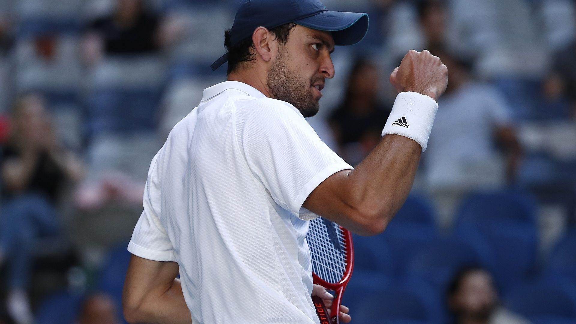 """Кой е """"руският лъв"""" на пътя на Григор, сътворил тенис сензацията на десетилетието?"""