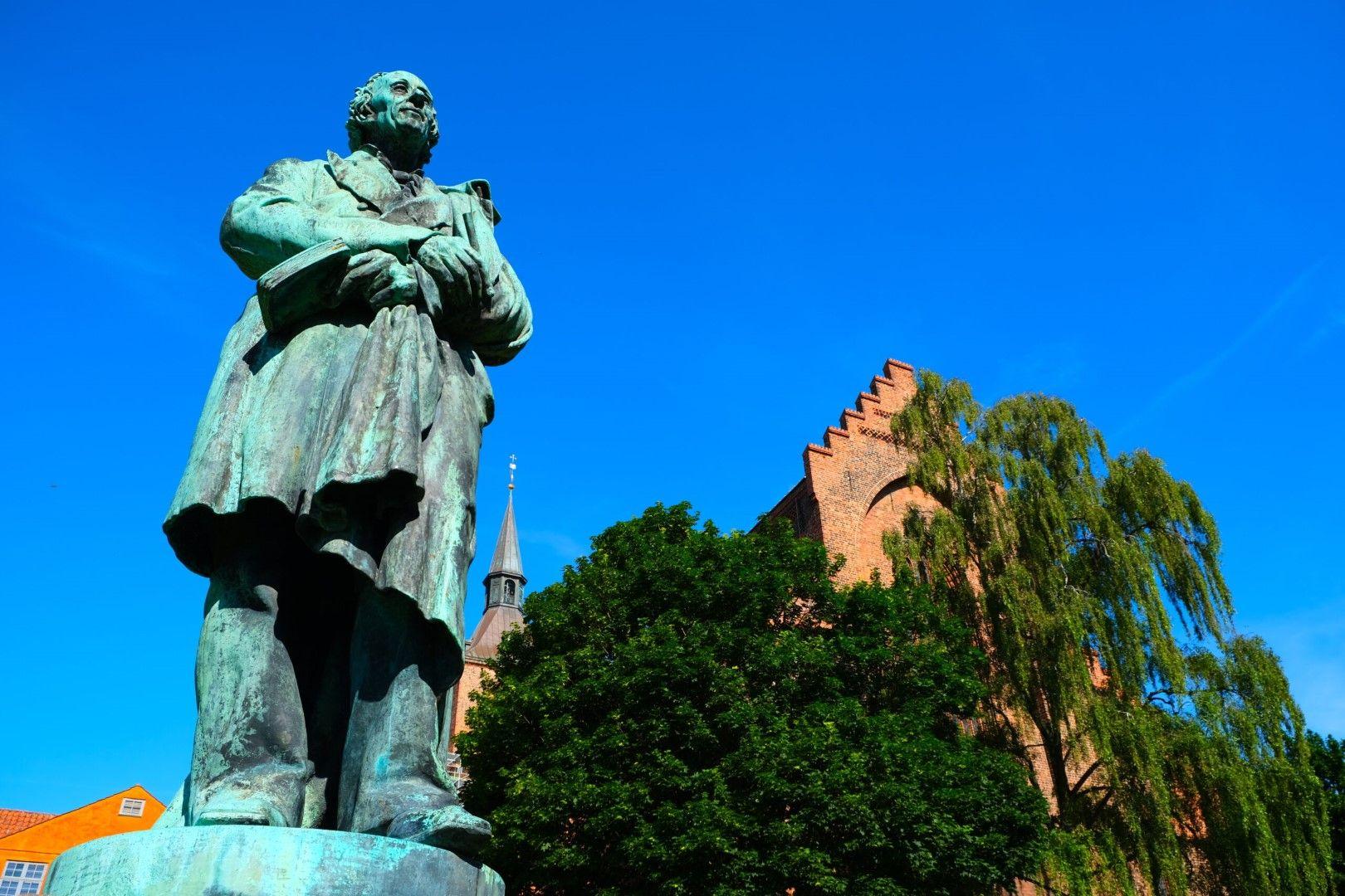 Паметникът на Андерсен в Оденсе