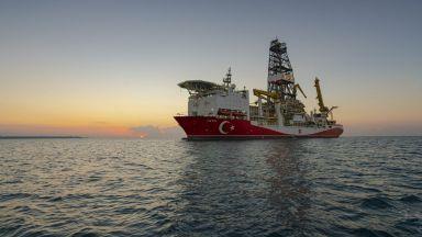 В Черно море има газ, но при съседите - в нашите води сондажите са сухи. Засега